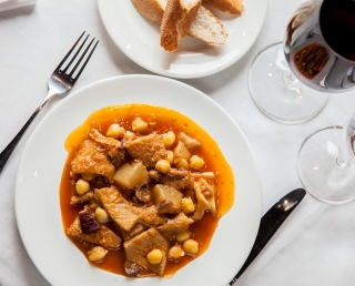 "Tripe with ""Cap i Pota"" with chickpeas"